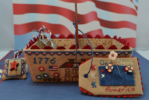 Patriotic Days Sewing Basket w/wooden handle